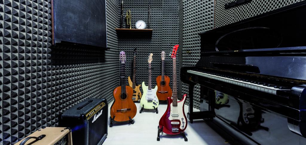 Artemusica_sala_chitarra_basso_elettrico_classica_elettrica